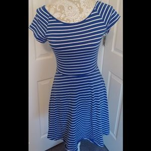 Striped Stretchy Casual Summer Dress w/ cut-out